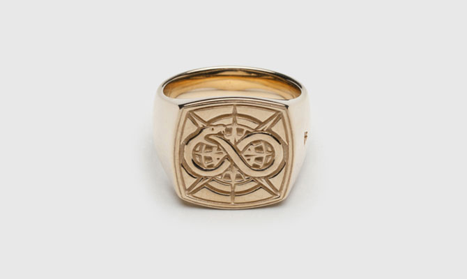 Tom Wood Eternity signet ring in gold